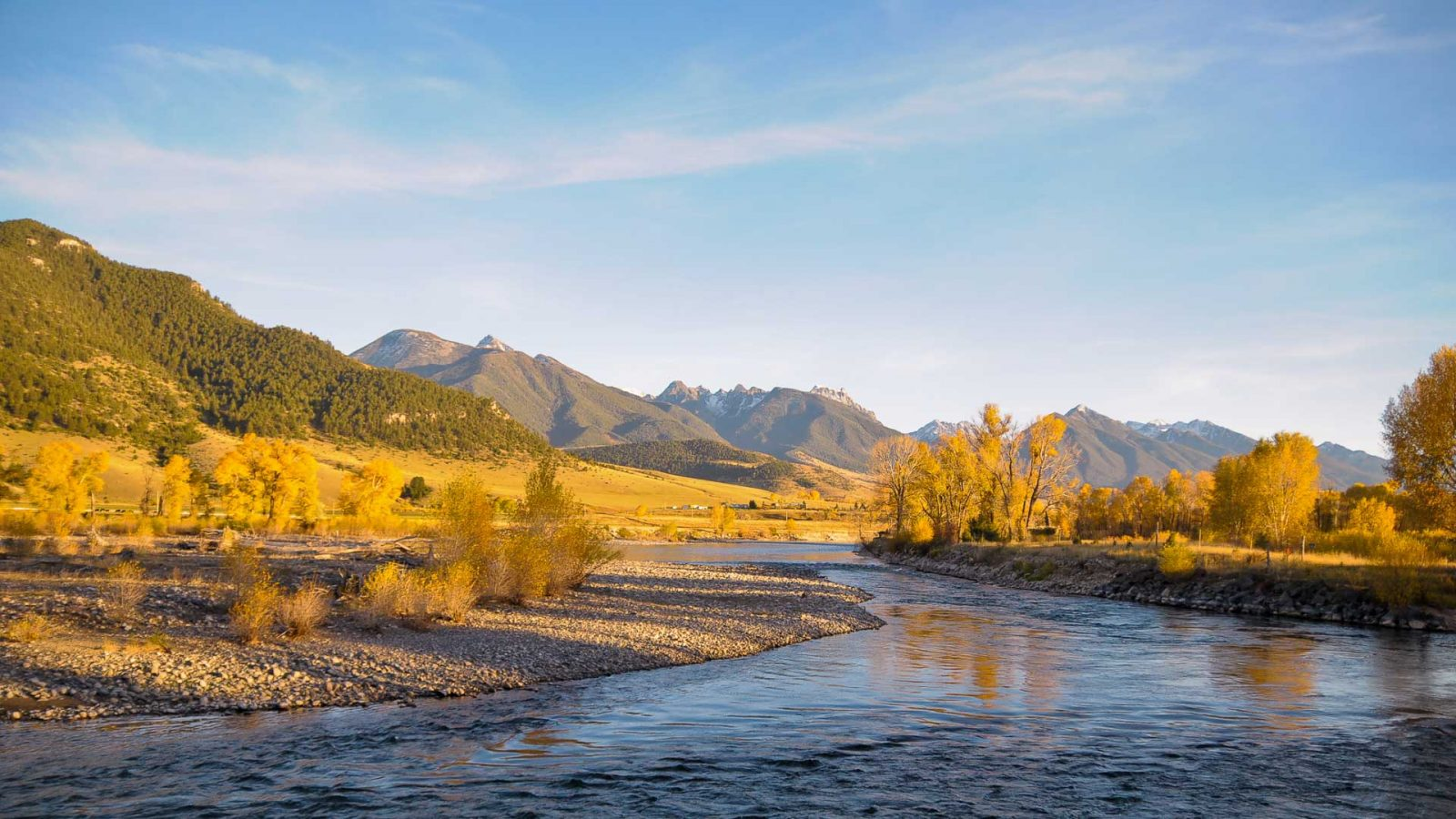 Fly fishing montana rivers montana fly fishing guides for Private trout fishing in missouri